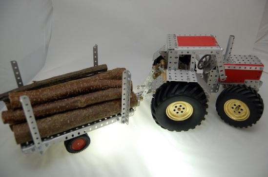 sld_traktor-mit-anhaenger